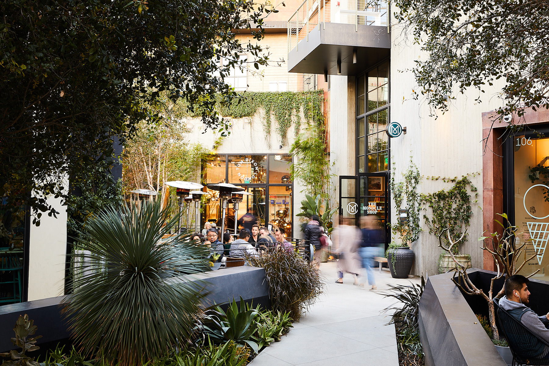Thoughtful Retail - Platform LA Exteriors by Nicole Franzen